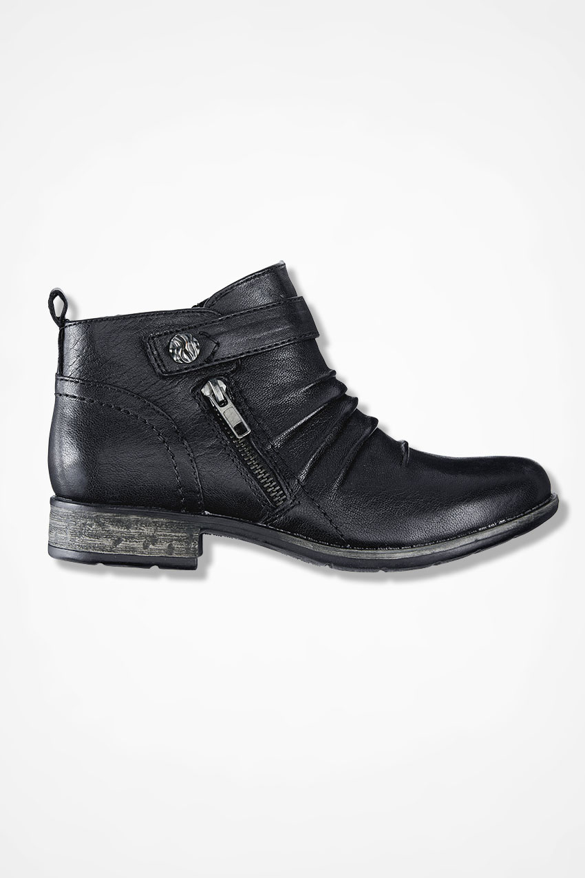 """Brook"""" Leather Boots by Earth"""